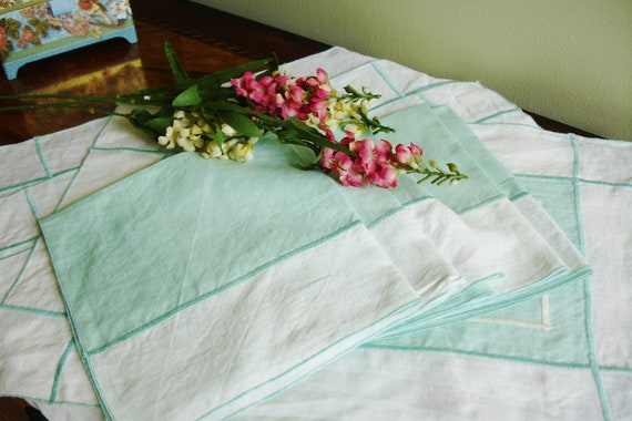 Linen Napkins set of five with four matching placemats minty green and white 1960s