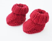 Doll's shoes - knitted booties - red