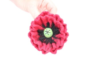 Red Poppy /Felt flower Hair Barrette/ Wool Felt Jewelry/ gift idea for her / spring fashion / Flowers Hair Barrette