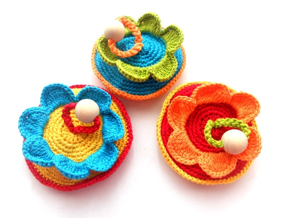 Organic crocheted teething toy Flower rattle Shower gift for babies Eco friendly developing toy Colorful teether Babies gift
