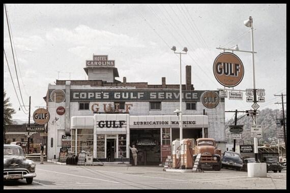 Vintage 50s Gulf Service Station In Sylva North Carolina