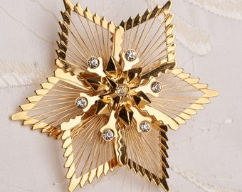 Vintage Monet Star Brooch with Rhinestones