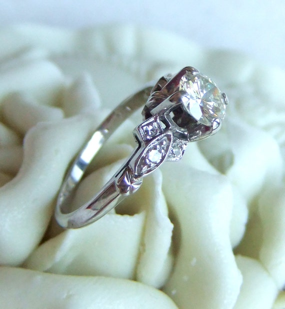 Antique Art Deco White Gold and Diamonds Engagement Ring