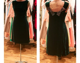 1980s Green Velvet Party Dress Cocktails Dress Shift Dress with Cape Back and Bow Detail