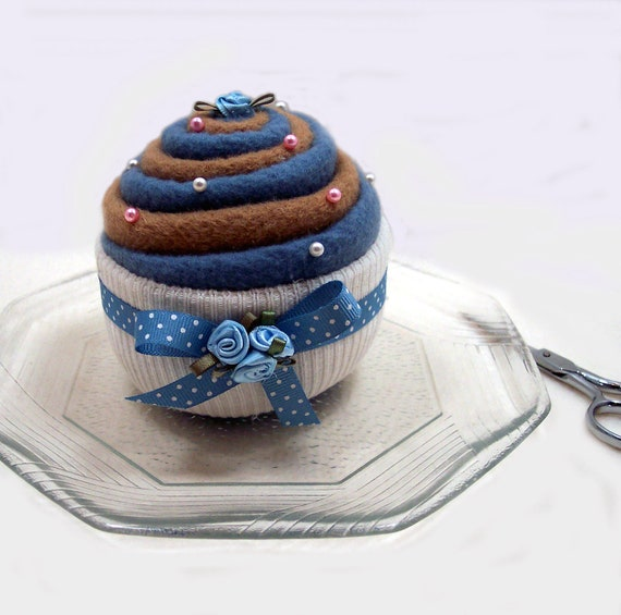 PINCUSHION... Yummy-looking Cupcake. Blueberry and Milk Chocolate Swirl. Polka Dots.