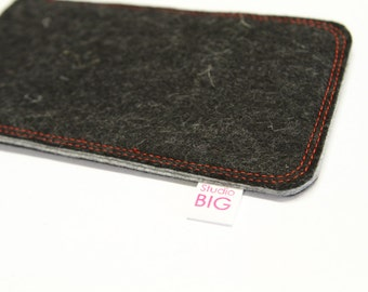 Cell phone case, iPhone 4 cover, Samsung sleeve, customized to fit any smartphone - STITCHINGS