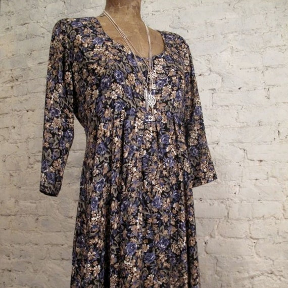 RESERVED - Grunge Dress - 80s/90s Purple and Beige Flower Print