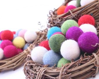 Felt Balls // DIY Garland // DIY Mobile // Mixed Colors // 2.5 cm // 50 count