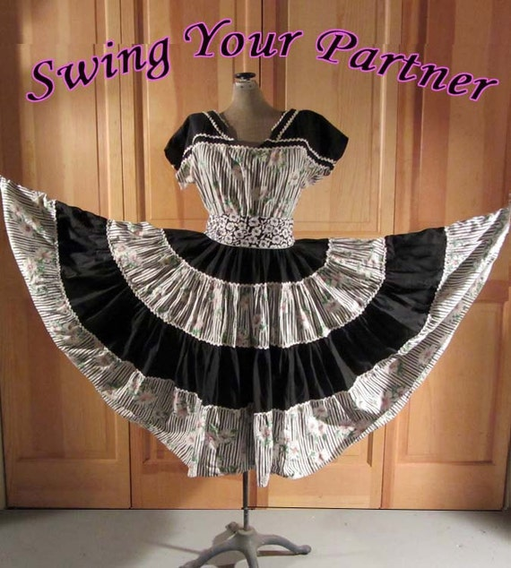 1950s SQUARE DANCE DRESS - Vintage Ranch Maid - Medium
