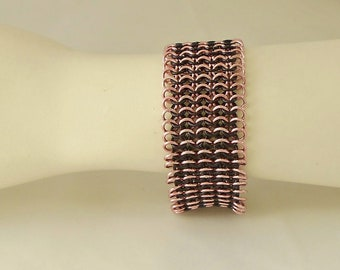 Wide chain maille bracelet in pink and black aluminum