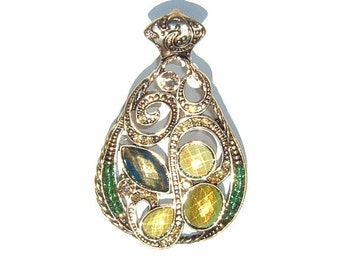 1970s Bud Green and Bitter Lime colored Gemstones and Filigree PENDANT