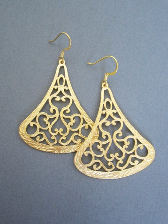 Gold FiligreeEarrings, Large Gold earrings.