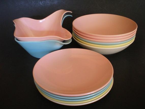13 Pieces Roymac Royalon Melmac Bowls, Plates, Gravy boats Pastels