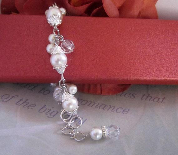 Ivory Bridal Bracelet, Vintage Style Pearl Bracelet, Bridal Pearl Bracelet, Wedding Bracelet, Bridal Jewelry, Ivory Pearl Jewelry