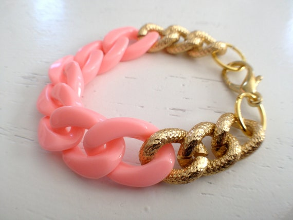 Peachy pink, plastic and metal chain bracelet