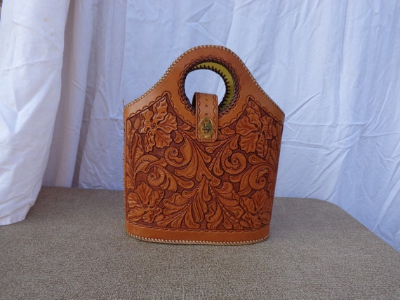 RESERVED FOR GIAMBONE Vintage Hand Tooled Leather Mexican Purse