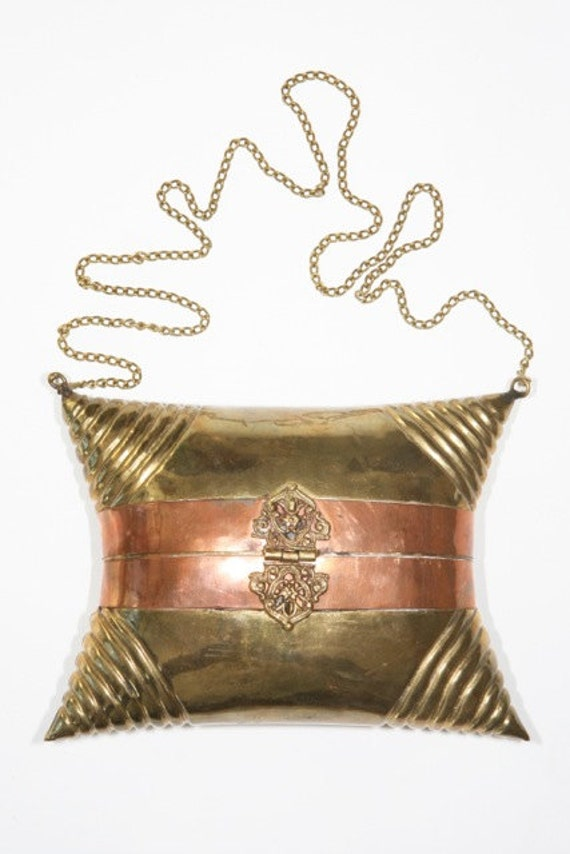 FINAL REDUCTION was 140 now 95 vintage 1970s gold & brass metal chain clutch w/filigree clasp and red velvet lining