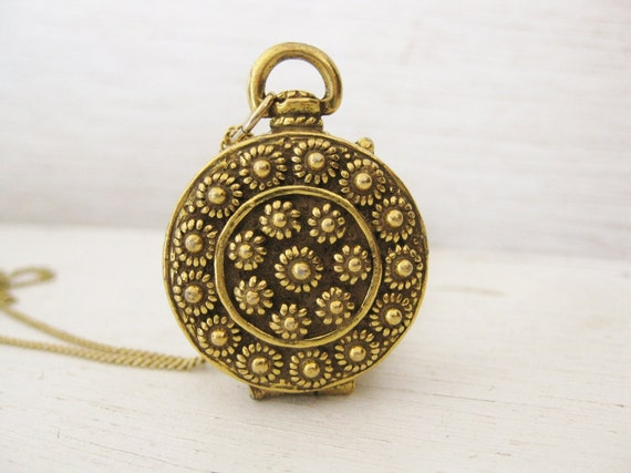 1960s necklace pendant. Goldette gold heart locket. POCKET WATCH LOCKET