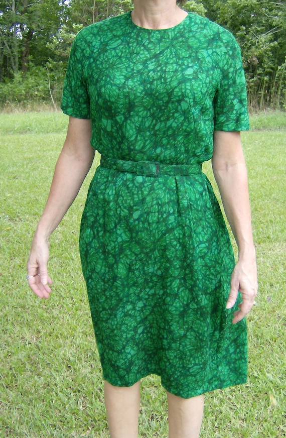 Vintage rockabilly dress green knit 1960s lined with matching belt