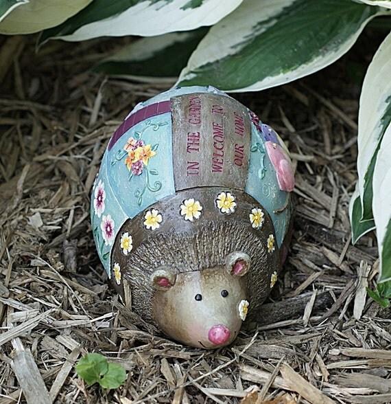Garden Ornament Brown Mole, Birds and Flowers