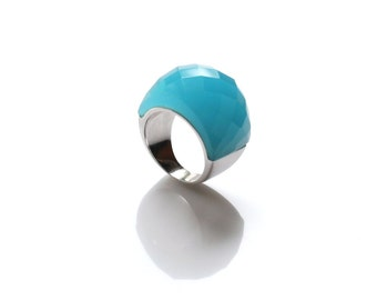 Stunning blue chalcedony stone ring on a dome design. Fashion cocktail ring.