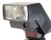 Canon Speedlite 300EZ Shoe Mount Flash with Case