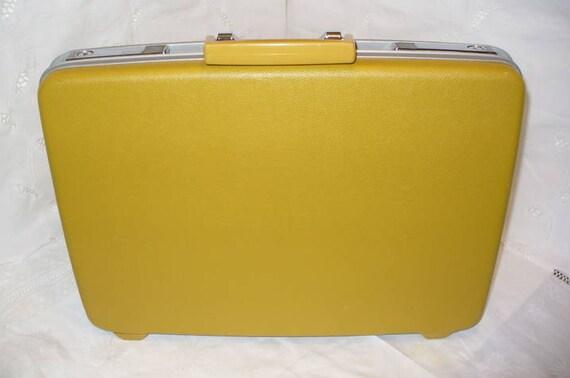Vintage Briefcase Royal Traveler By Samsonite Briefcase Gold Hard Sided With Key
