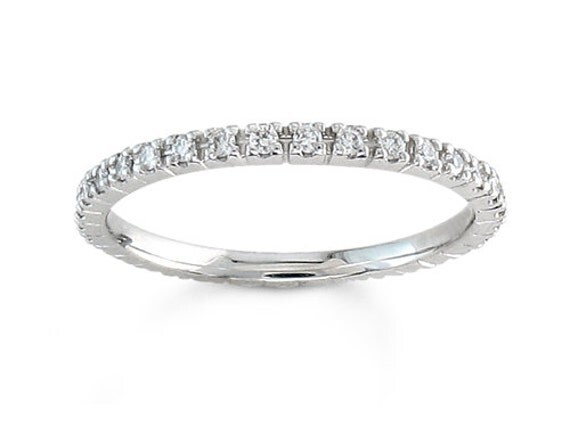 Ladies 18kt White Gold Thin Diamond Wedding Band 1 3 Ctw G VS2