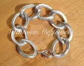 The HOLLYN: Large Silver Textured Aluminum Chain Bracelet