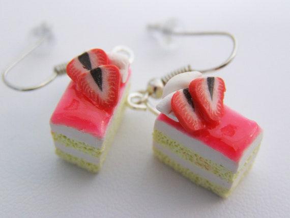 Cake earrings - Strawberry Shortcake