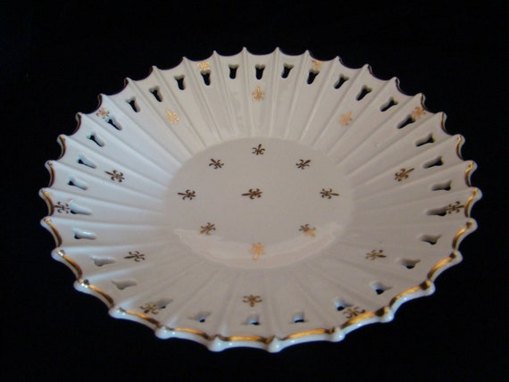 1950s Mid Century Hand Painted Gold Lefton Serving/Candy Lattice reticulated Dish