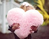 Moelleux coeur rose en forme de coussin décoratif décoration Saint Valentin - petite taille