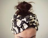 Retro print headband abstract print in cream black and white, stretch turban twist extra wide