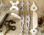 Vintage hardware, fantastic estate, lot of knobs, pulls, backing plates, shabby chic style, antique