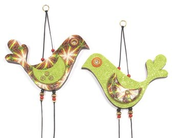 Elegant wall decor love birds, Valentines day gift, romantic love birds pair, Handmade Polymer clay birds, Bird couple in maroon and green,
