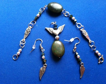 Silver Wings and Green Jewelry set