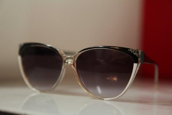 Vintage Polaroid White / Black Sunglasses, Cat Eye  Frame, Rhinestones, Gradient Density Lenses 8810H