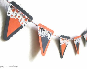 Mini Halloween Banner, Black & Orange with Vintage Paper lace, Halloween decorations, halloween party decor, halloween cake topper