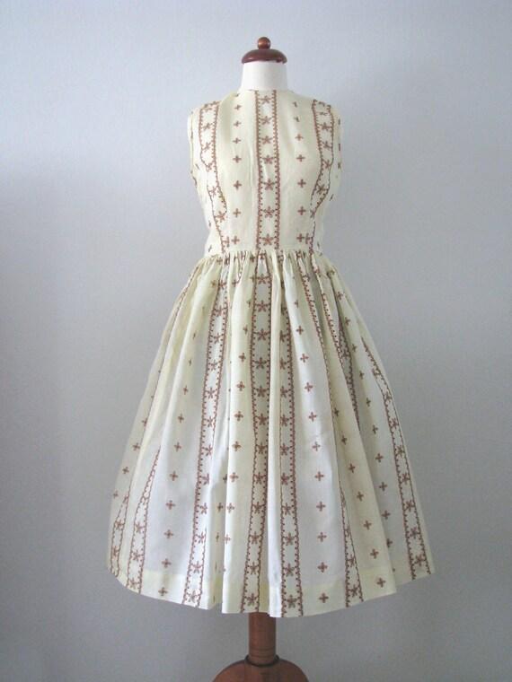 50s Yellow Cream Full Skirt Eyelet Sundress, XS-S // Vintage Dress