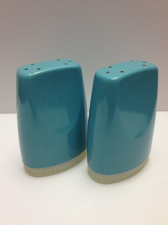 Vintage Boonton Ware Melmac Aqua Turquoise Salt and Pepper Shakers
