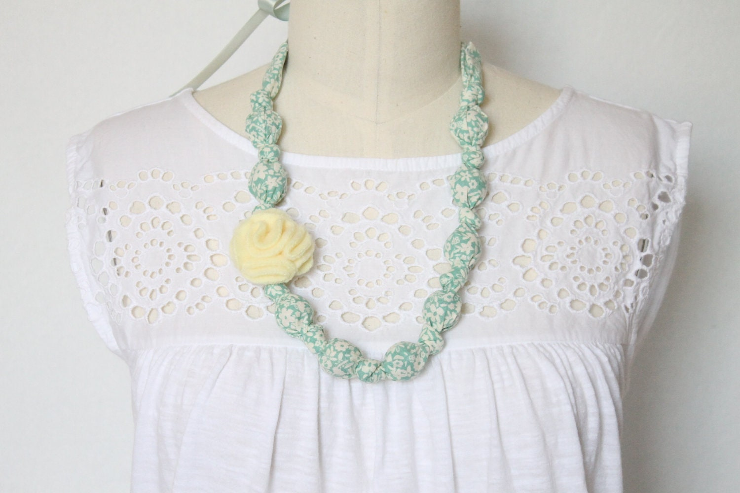 fabric necklaceteething necklace chomping necklace nursing