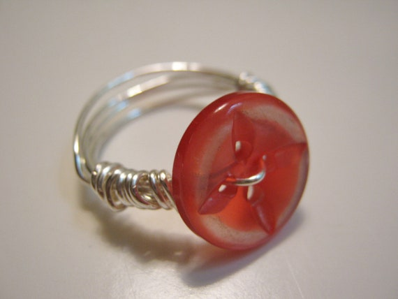 Red Vintage Button Ring, size 7.5 - 8, Christmas gift, starbust button