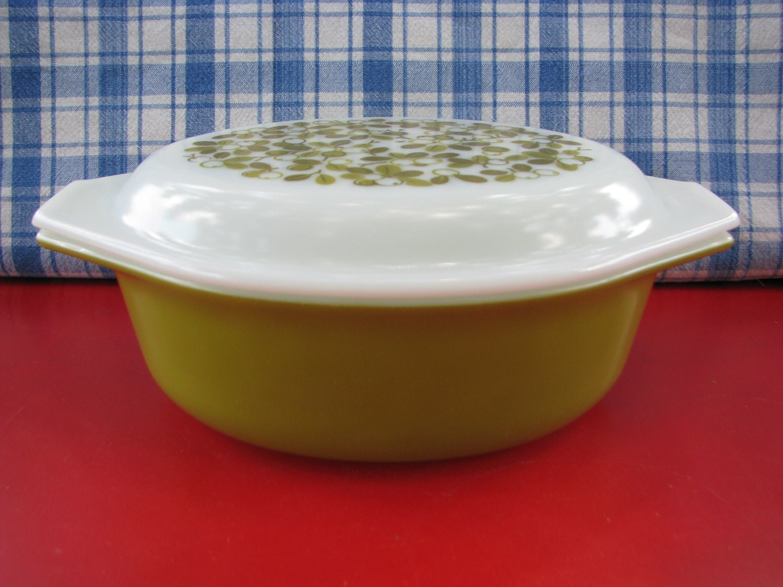 Vintage Pyrex Green Casserole Dish 043 Covered Verde Olive