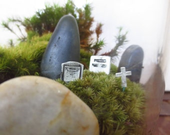 Shhh, You Don't Want to Wake the Dead.. Terrarium Accessory Three Gravemarkers Tombstones Terrarium Miniatures Grave Stones Mini Cemetary