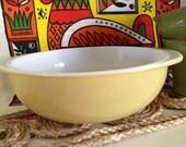 Vintage PYREX Casserole Gold/Mustard bowl 2 QT 024