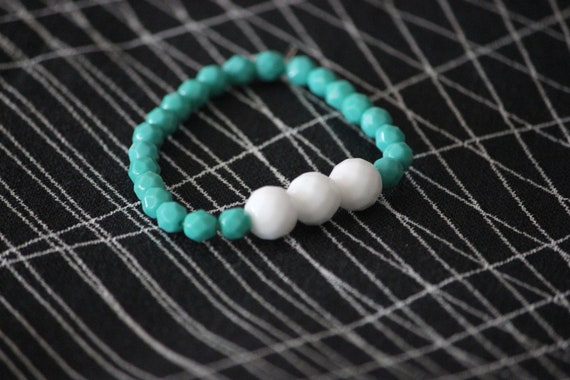 Beaded Bracelet with Opaque White and Turquoise Czech Glass Beads