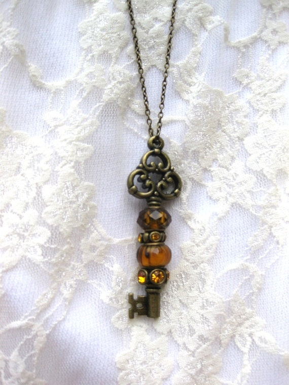 Vintage Style Brass Key Necklace is two in one necklace