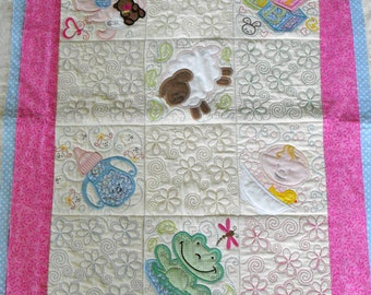Machine Appliqued Baby Quilt, baby quilt, appliqued baby quilt, baby blanket, crib quilt, baby bedding, handmade baby quilts