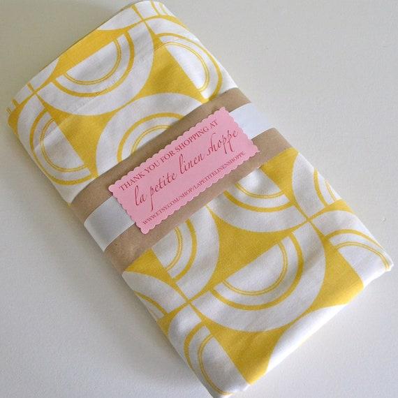 RESERVED for Mette - Vintage Full Sheet Trendy Yellow Geometric Flat Sheet - Double Sheet - Full Size Bedding