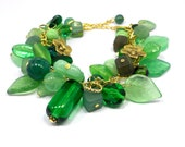 Green glass bracelet with extender chain - Golden flower bracelet - Beaded bracelet - Green beaded bracelet